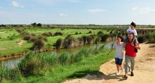Balade bord des étangs en famille - Hérault, le Languedoc © H. Comte